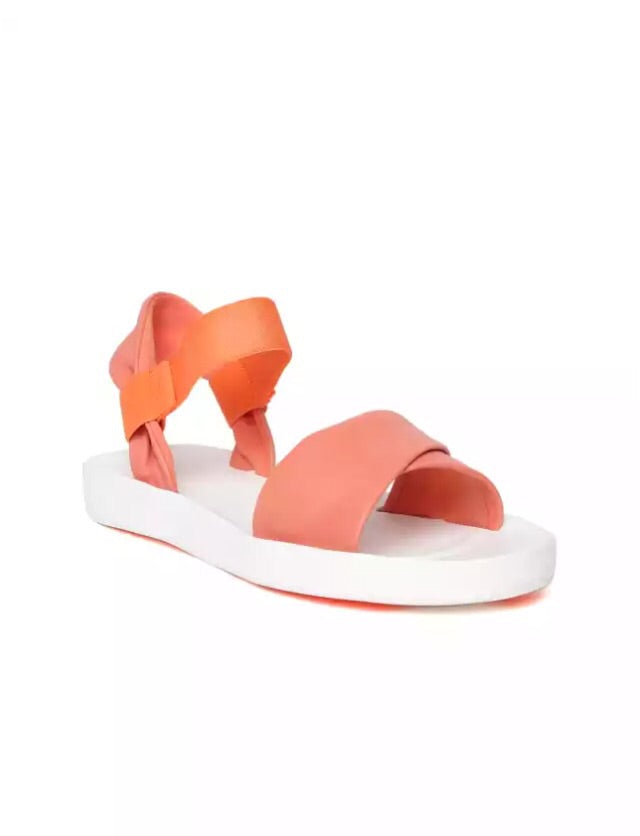 Women-peach sandals - THE UNIQUE FIT