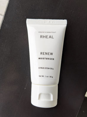 RENEW - Moisturizer with Hyaluronic, Seaweed, and Fruit Stem Cells