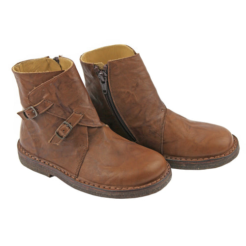 Woodsy brown girls ankle boots with side buckles
