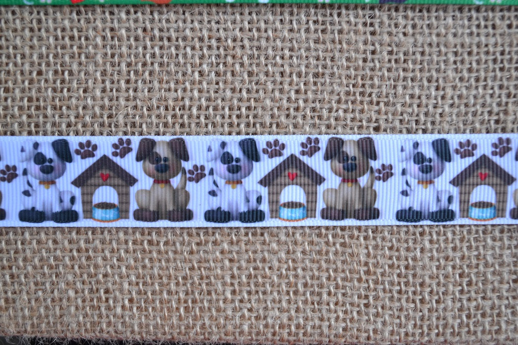 dog collar dog house paw prints