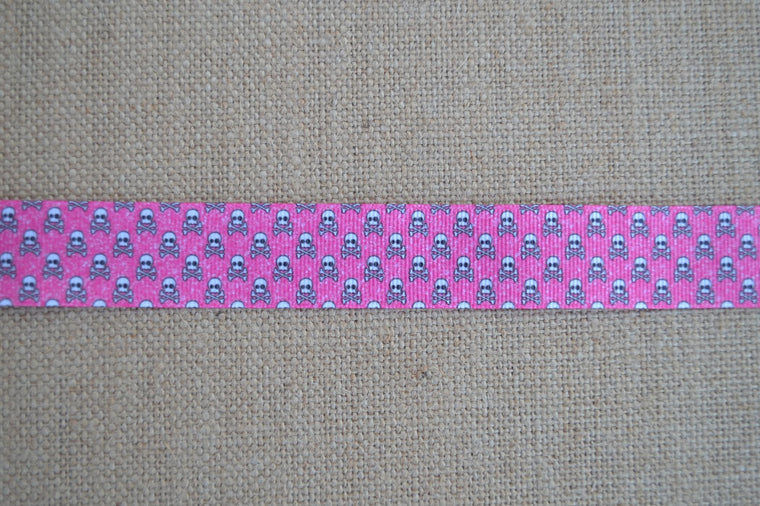 dog collar skull crossbones pink girly
