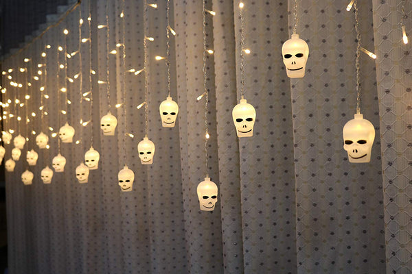 Lightahead 3.5M 96 LEDS, 16 Skull Shape LED hanging String Light with 8 Modes for Halloween Holidays Party Indoor and Outdoors (Warm white)