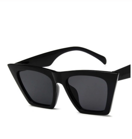 Shop Madda Sunglasses Pasta Mediun Black