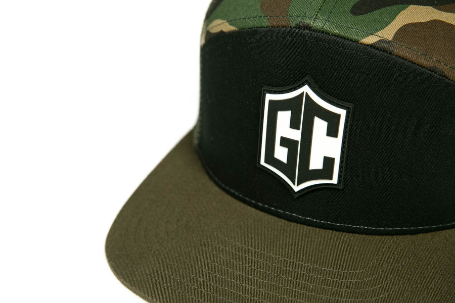 GC BADGE TRUCKER HAT - CAMO