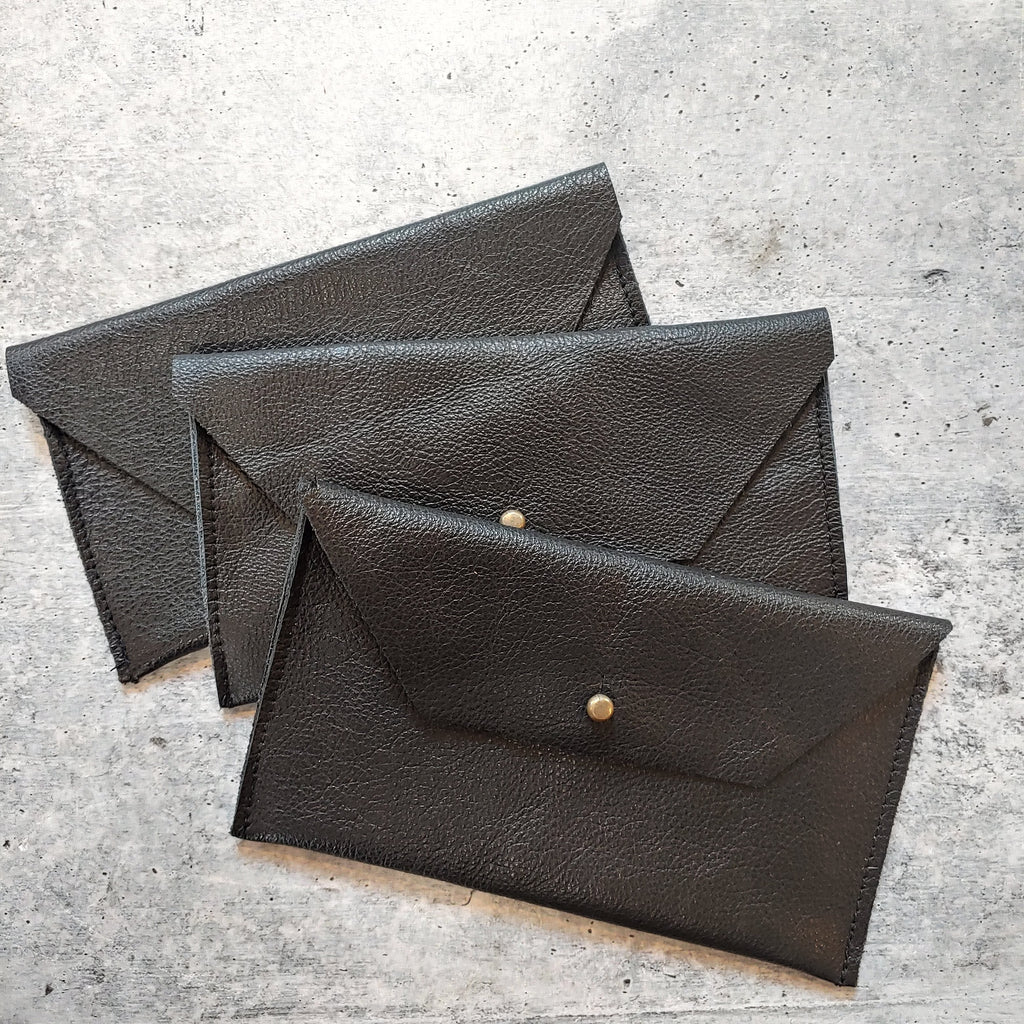 Soft Leather Clutch Trapezoid : Onyx Lustre