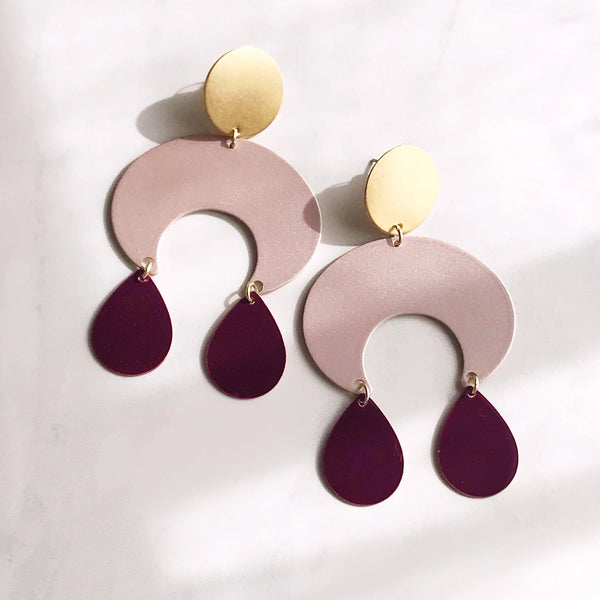 Pearl and Ivy Studio - gypsy earrings - brass / rose pearl / plum