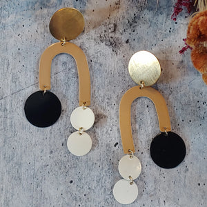 Brooklyn Earrings - Camel / Night / Milk