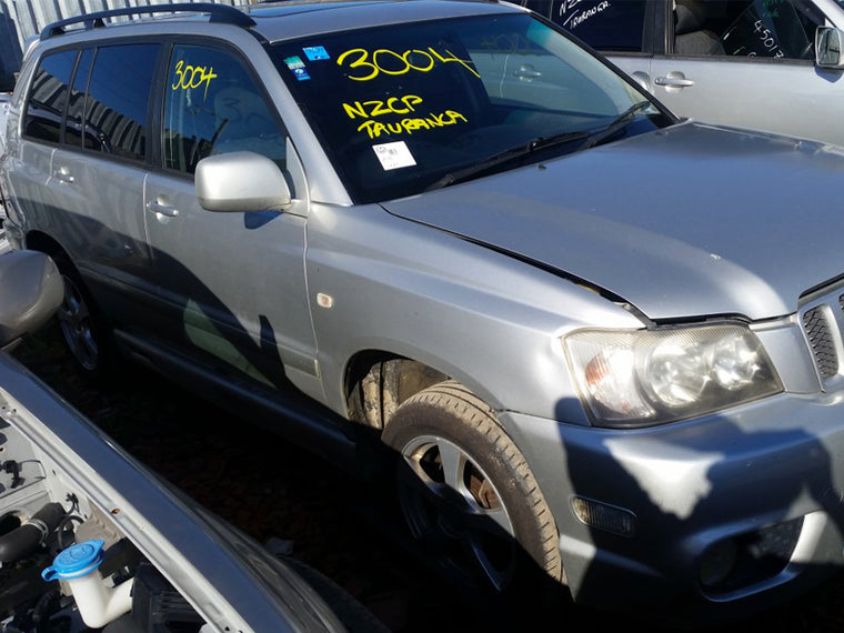 TOYOTA KLUGER 30. 4WD 2001