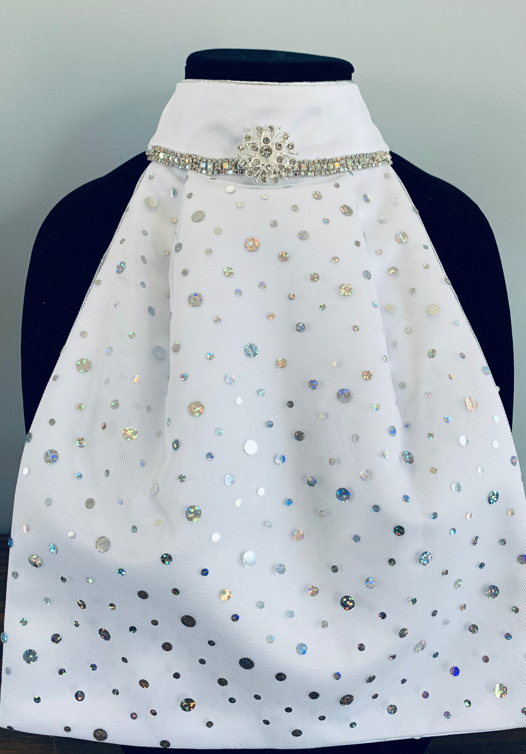 Dots and crystals with broach stock tie
