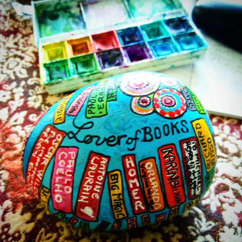 painted rock read book Grove bookshop Ilkley UK Sussi Louise Smith art blog Christine Onward