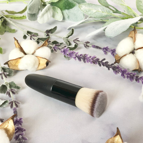 CLEARANCE! Flat Foundation Blending Brush