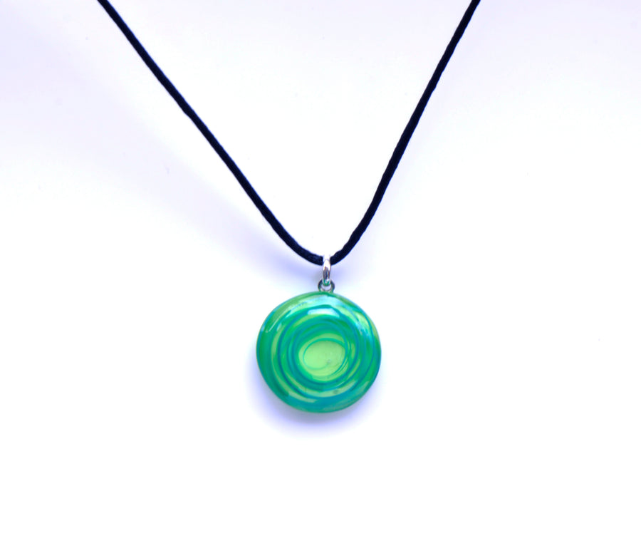 MURANO GLASS NECKLACE IN CURVED ROUND SHAPE - GREEN