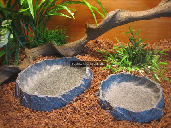 Resin Feed or Water Bowl 25cm