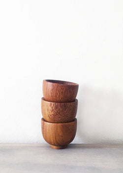 Wooden pinch bowl