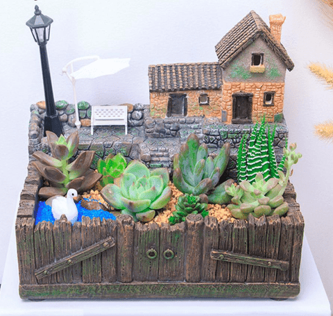 Tuscany Hut Resin Succulent Plant Pot