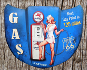 plaque métal vintage CAPOT PIN UP GAS STATION MOBILGAS