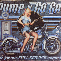 plaque métal vintage PIN UP PUMP N GO GAS - TOFMOBILE