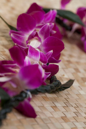 Ti leaf with orchid lei - locallei