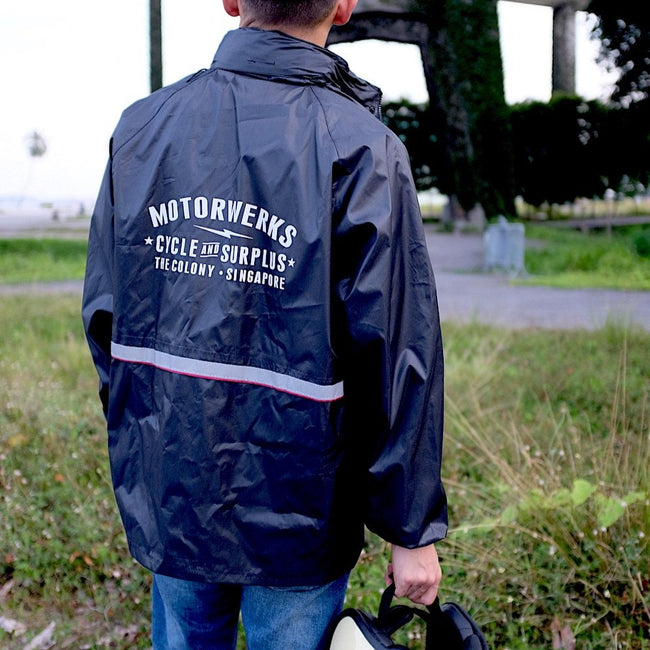 MW Messenger Raincoat Black