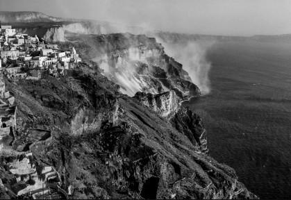 Fira with pumice mines in the background. Robert McCabe The simplistic Santorini of the '50s 9 - tripatricks linking people to adventure