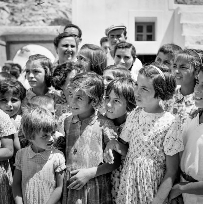 Baptisms in Nimborio. Robert McCabe The simplistic Santorini of the '50s 2 - tripatricks linking people to adventure