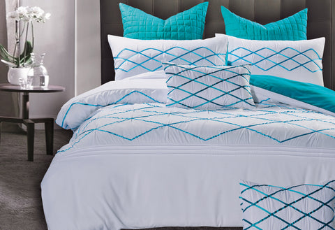 Super King Size White and Turquoise Blue Quilt Cover Set (3PCS)