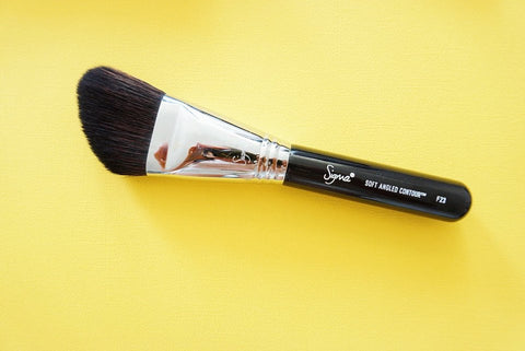Sigma F23 Soft Angled Contour Brush My favourite Sigma Beauty Brushes