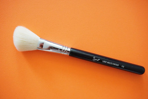 Sigma F40 Large Angled Contour Brush My favourite Sigma Beauty Brushes