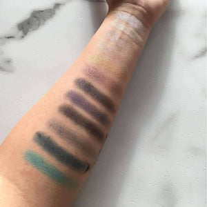 Makeup Revolution - Redemption Eyeshadow Palette - Essential Day To Nightorabelca