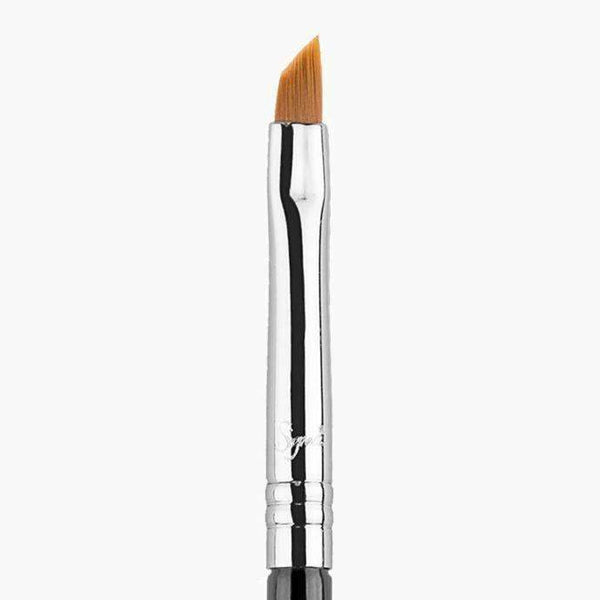 orabelca:Sigma E06 Winged liner brush