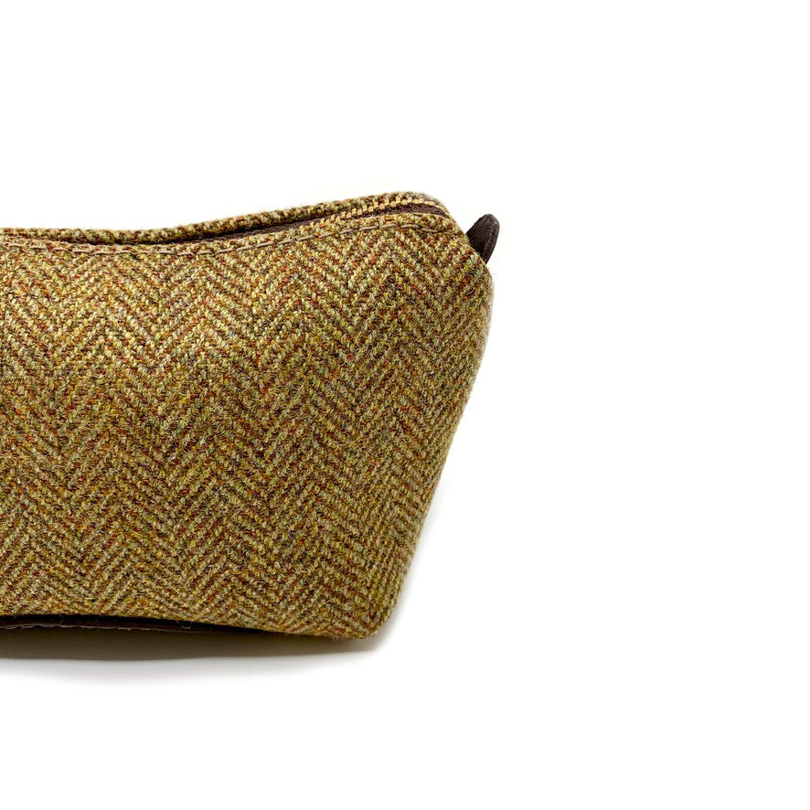 Luxury Ben Vrackie Small Travel Pouch