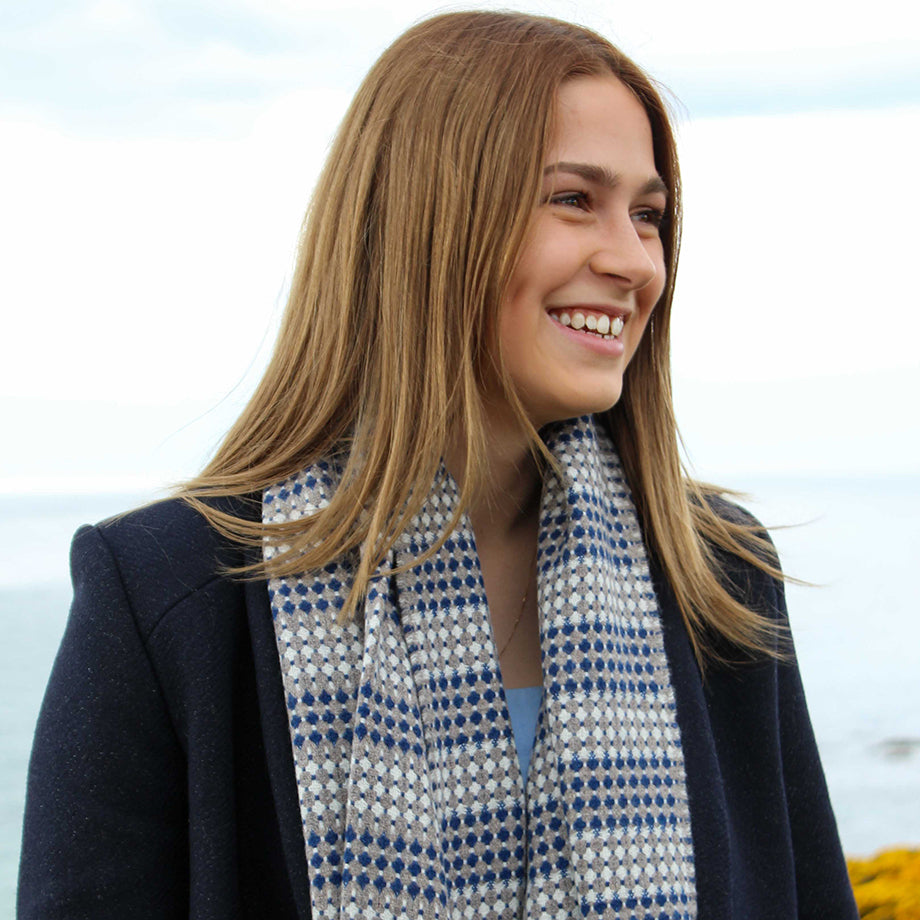 Double sided Geelong lambswool unisex scarf