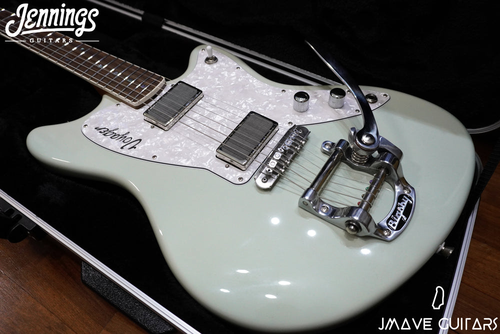 Jennings Guitars Voyager Standard in Pearl Green