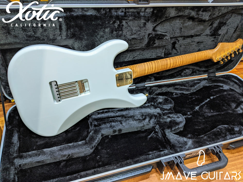 Xotic Guitars XSC-1 Olympic White Master-Grade Roasted Flame Maple Neck