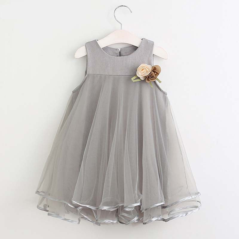 Elegant Sleeveless Tulle Dress with Decorative Flower