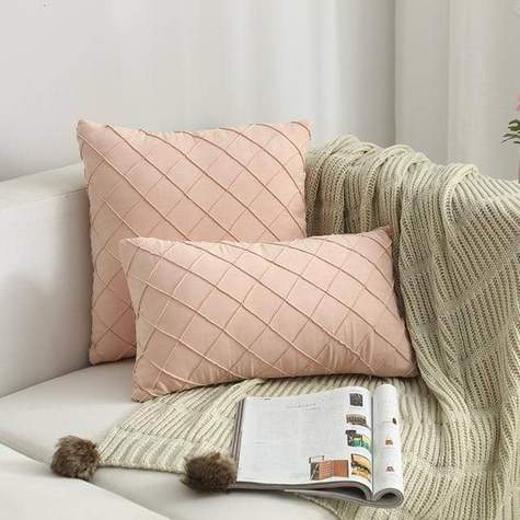 Grid Pattern Pillow Cover
