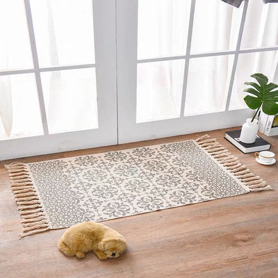 Leo Farmhouse Cotton Tassel Rug | Farmhouse Decor