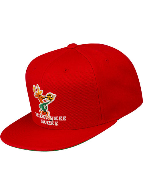 Mitchell & Ness Hardwood Classics Team Ground Milwaukee Bucks Snapback Cap