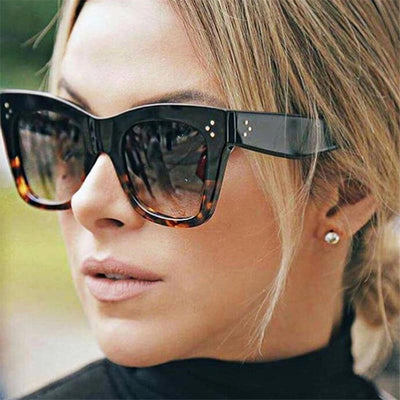 La Belle Sophie black Oversized Vintage Cat Eye Sunglasses