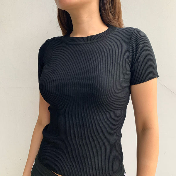 Slim U neck ribbed knit top