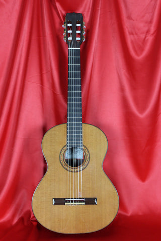 Jose Ramirez R2 Classical Guitar 1997