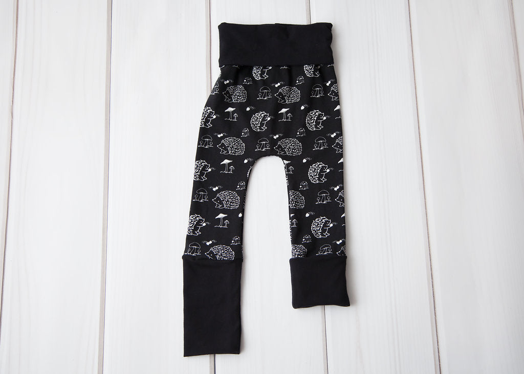 Grow With Me Leggings - B&W Hedgehogs
