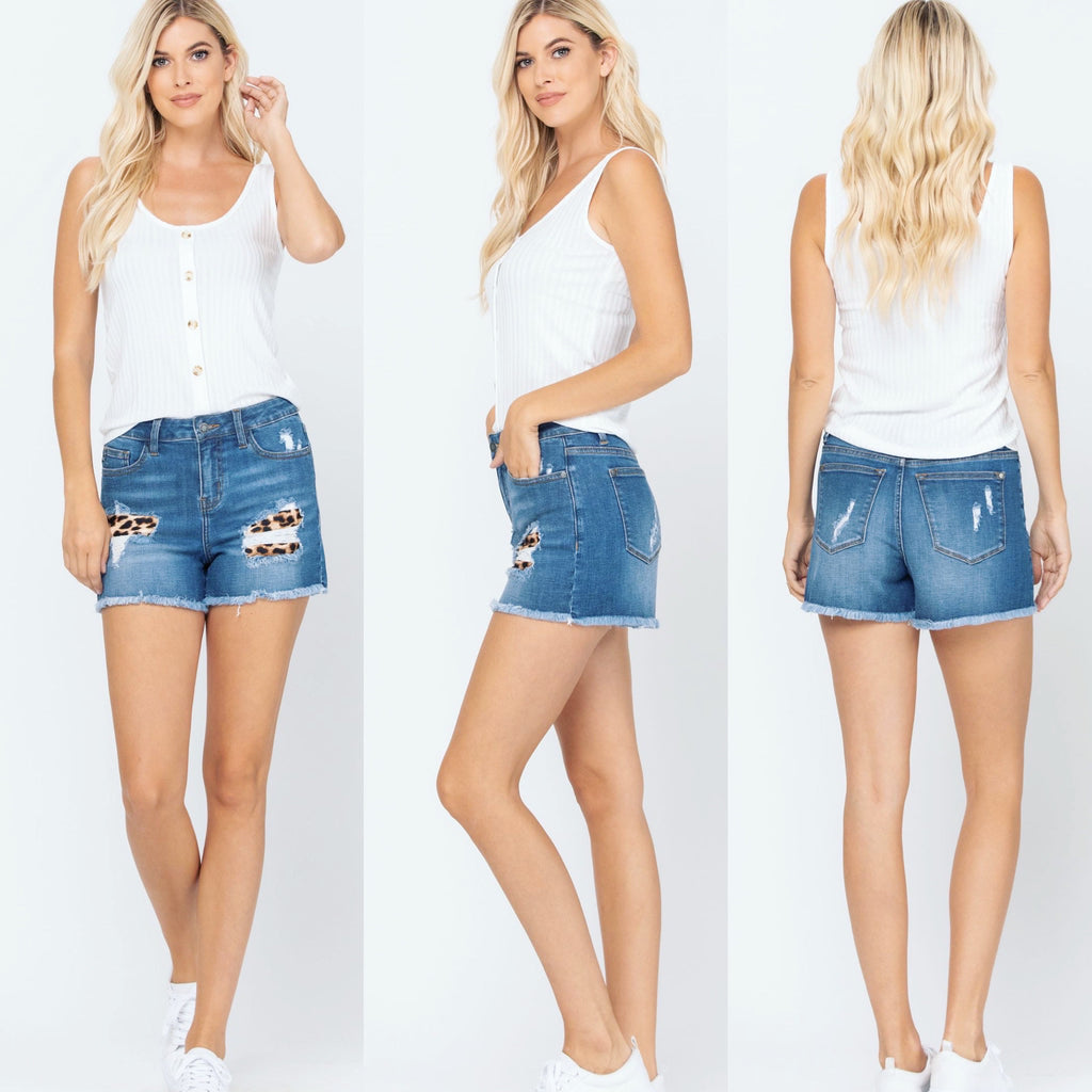 (PRE ORDER 10 to 14 days) Limited Edition Judy Blue Leo Patch Denim Shorts