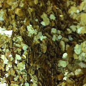 Gold Medium Mica Flakes