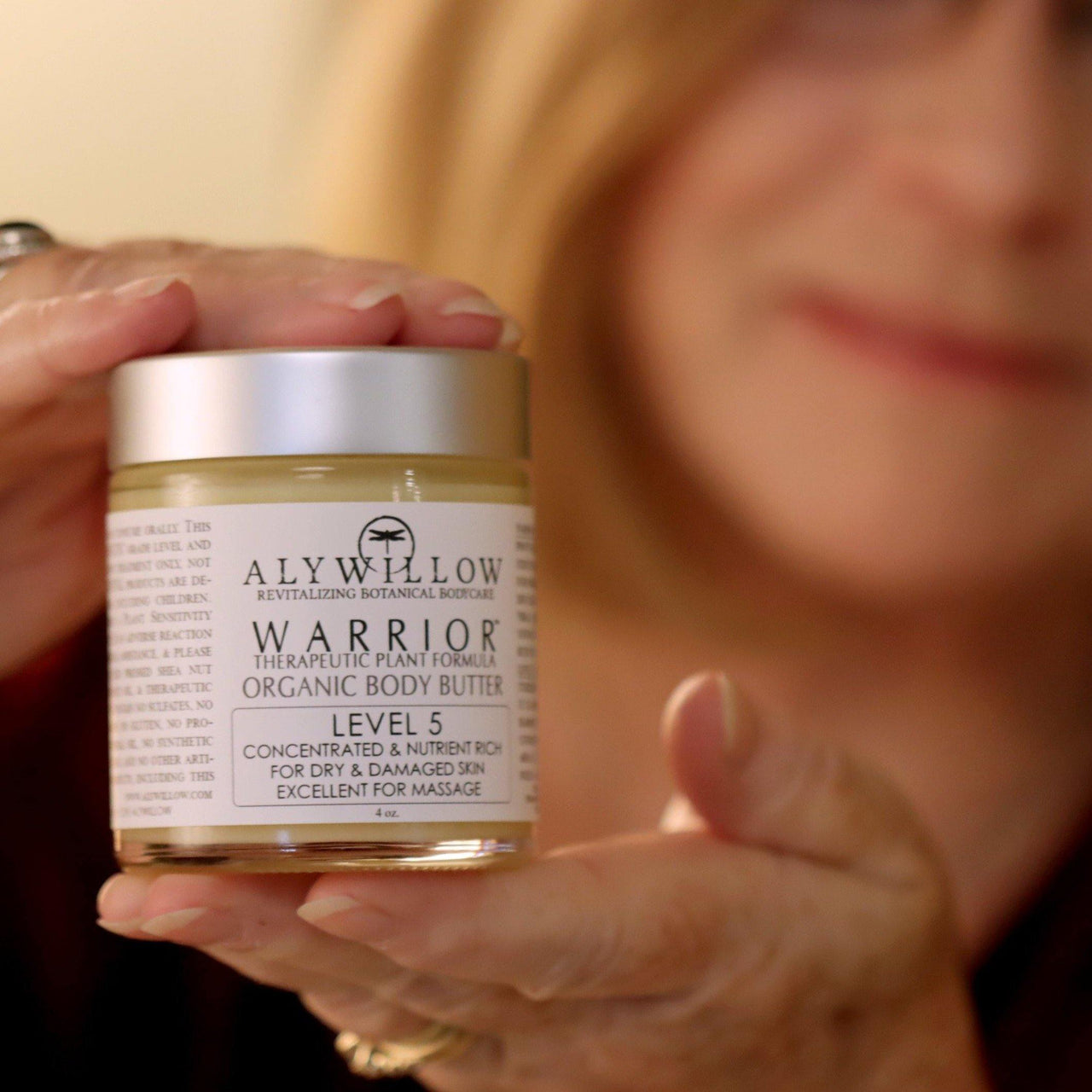 Anti-aging vegan body butter WARRIOR LEVEL 5 MOISTURIZER is a hydrating crème for very dry skin