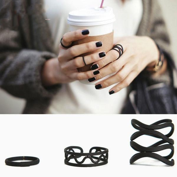 Black Band Ring Set