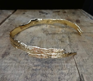 jewelry made from driftwood bark textured jewelry model jayne moore jewelry designer handmade in nyc from recycled metals bark textured necklace driftwood choker driftwood art