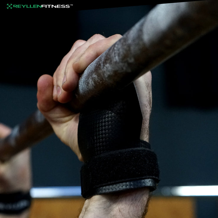 MAX-GRIP Gecko Carbon X Gymnastic Grips 3-Hole - Reyllen Fitness