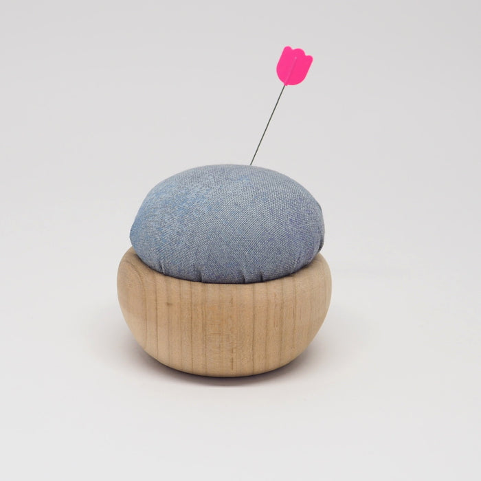 TULIP CHERRY WOOD PIN CUSHION -  USUZUMI-IRO (GREY)