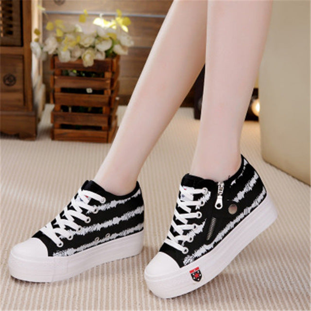 Sale Designer Autumn Height Increasing Canvas Shoes Women Fashion Casual Platform Girls Rubber Bottom Flat Black White